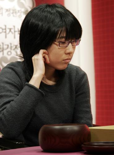 图文:正官庄杯日本副帅攻擂无果 朴智恩二连胜