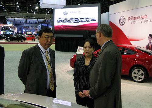 华晨汽车集团副总裁何国华在北美车展上
