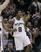 图文:[NBA]湖人VS马刺 马森吐舌头