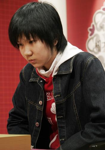 中国队小将李赫屠龙大胜朴智恩