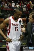图文:[NBA]火箭胜热火 沃弗接受采访