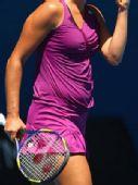 网球猜吧:猜猜这是哪位美女的小肚腩?