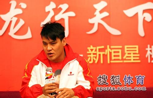 图文:超级散打王做客搜狐 柳海龙讲述比赛感受