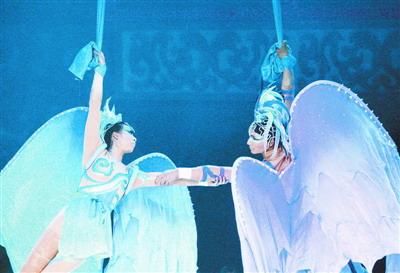 有刺激有欢笑有感动《梦幻九歌》折服江城观众