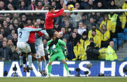 手球:08最红星之雷人红牌C罗故意组图被罚下a手球热气球大v手球无敌版图片
