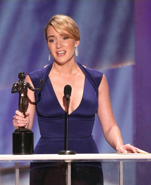 凯特-温斯莱特凭《朗读者》获得最佳女配角奖
