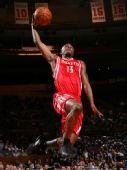 图文:[NBA]火箭VS尼克斯 沃弗展示飞行暴扣