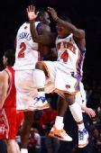 图文:[NBA]火箭VS尼克斯 罗宾逊和托马斯庆祝