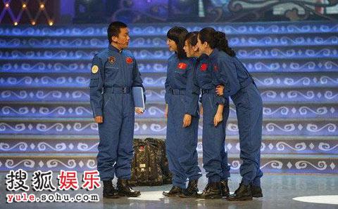 曾黎登上上海东方卫视春晚