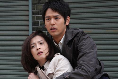 1月25日日本票房:空降007 铺砌《革命之路》-