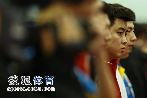 图文:刘国梁狠批张继科现场 王皓表情郁闷