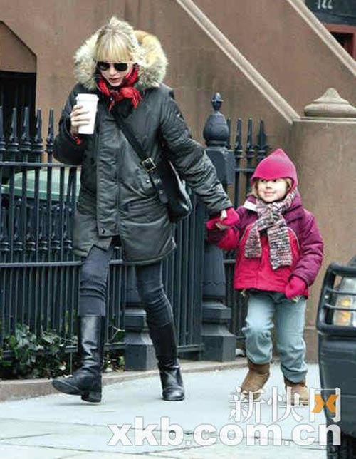 米歇尔和女儿