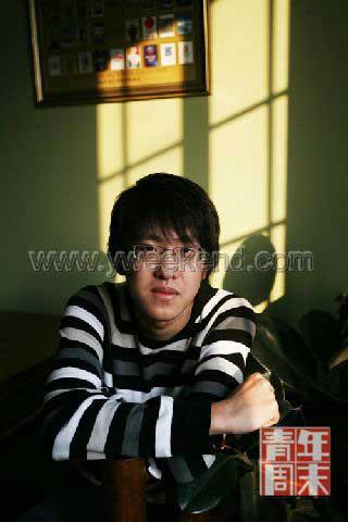 李木子,2009年2月6日,18岁。父母以前均在外交部门工作。李木子目前已经去过世界上二十多个国家