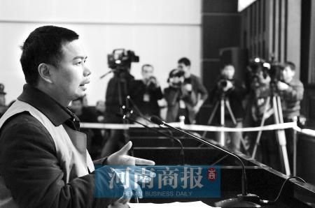 """叶剑文在法庭上不断重复着""""我无罪""""。  商报记者 丁洁/摄"""
