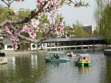 春游风向标 北京团结湖公园(图)