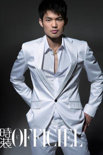 图文:林丹谢杏芳时尚写真 展示男人野性之美
