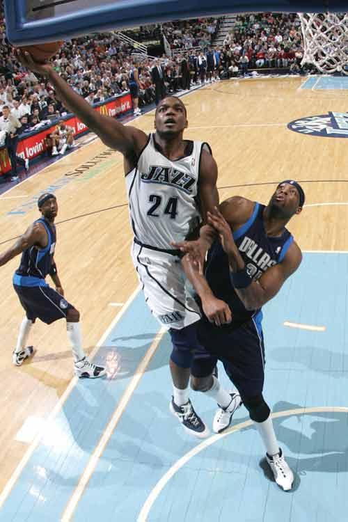 图文:[NBA]小牛VS爵士 米尔萨普强打丹皮尔