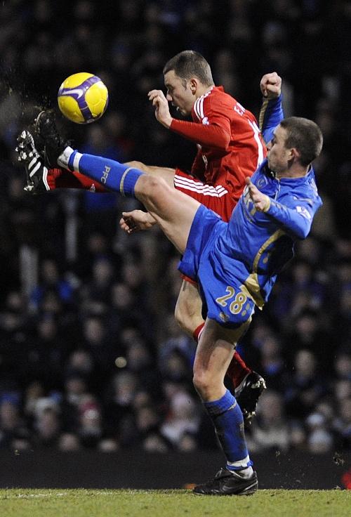 朴茨茅斯 搞笑/新华社照片,路透,2009年2月8日(体育)(3)足球——英超:...