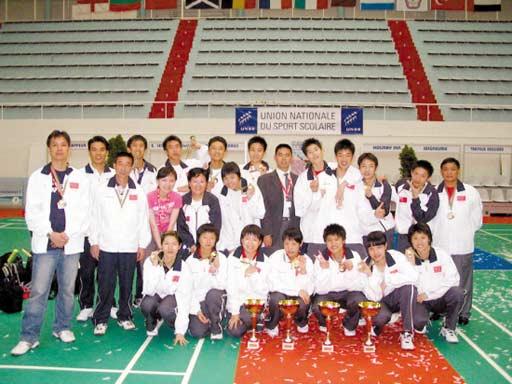 2006年,广东实验中学代表中国参加世界中学生羽毛球比赛,囊括四项图片