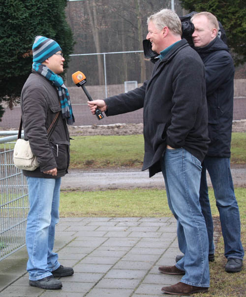 荷兰当地记者非常热情