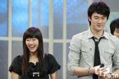 图文:谭雪与男友甜蜜写真 节目现场谭雪爆笑