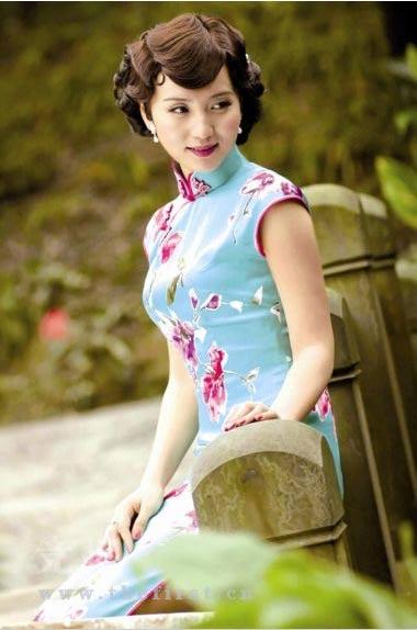 陈好将中国旗袍的美完全展现出来