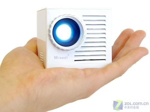 仅在日本销售 新款掌中LED投影机上市