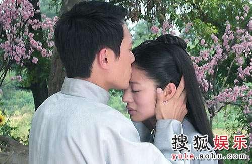 《锁清秋》剧照安以轩和冯绍峰