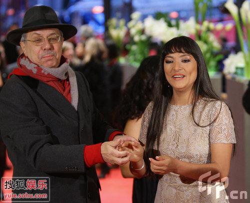 《伤心的奶水》首映 主演玛佳丽和电影节主席