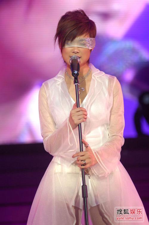 李宇春精彩写真 演唱会回顾白纱演唱
