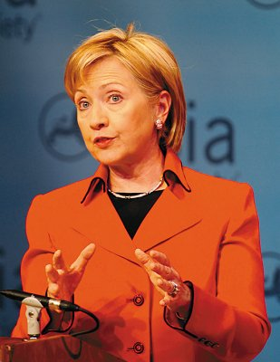 2月13日,美国国务卿希拉里在纽约亚洲协会总部讲话