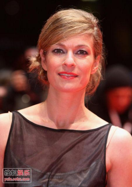 图:闭幕式红毯 女星丽莎-马丁克