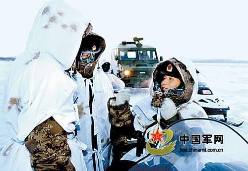 巡逻途中问寒暖