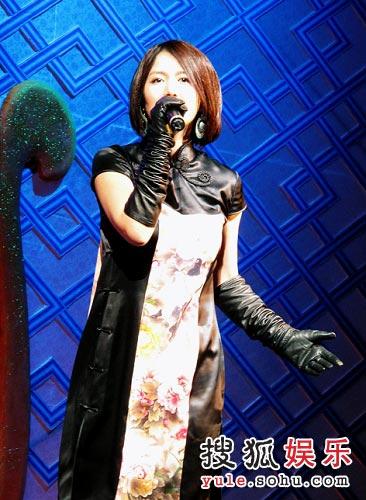 谭维维-旗袍
