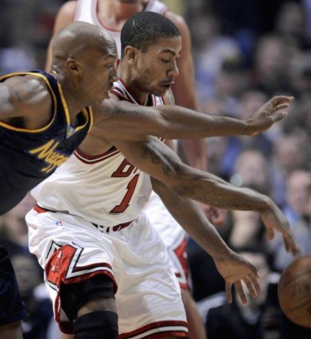 罗斯/图文:[NBA]掘金负公牛罗斯拼抢