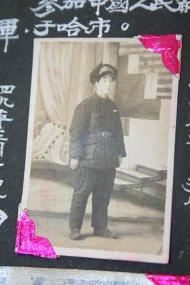 1949年张德成转业前的照片
