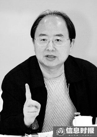 广州市财政局局长张杰明:今年广州财政收支情况将面临严峻形势,大家要做好过紧日子的思想准备。信息时报记者 陆明杰 摄