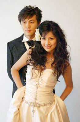 张玉宁与妻子的婚纱照