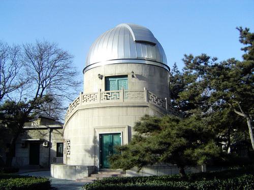 cn   乘7,15,102,332,334,685路动物园站下   北京天文馆是以科普剧场