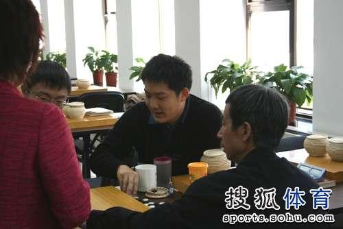 图文:LG杯古力激战李世石 常昊现身训练室摆棋