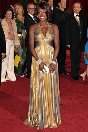 最佳女配角提名Viola Davis的银色Judith Leiber手包