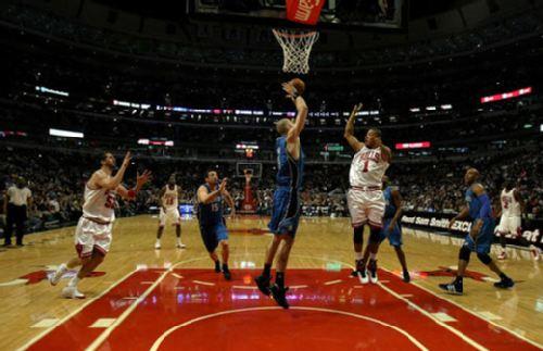 霍华德 辛里奇 罗斯/图文:[NBA]公牛胜魔术 罗斯被抢断