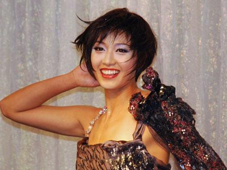 图文:日本沙排美女浅尾最新写真 浅尾舞台展示