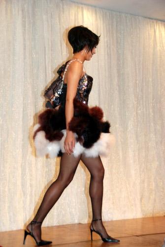 图文:日本沙排美女浅尾最新写真 舞台上的浅尾