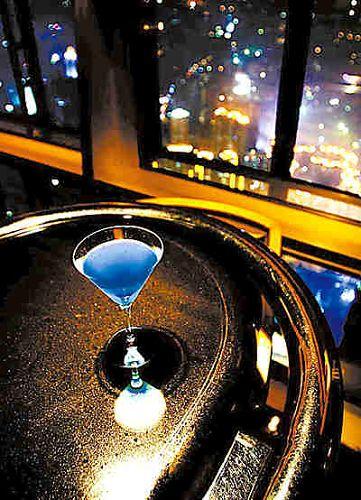 金茂大厦87层的九重天酒吧