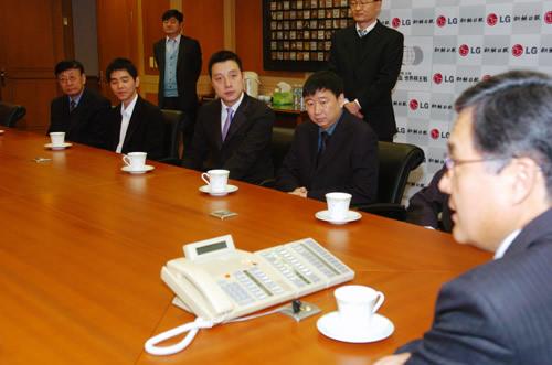 图文:LG杯颁奖仪式 古力李世石俞斌关注发言