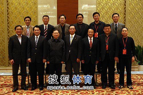 新一届中国乒协领导合影