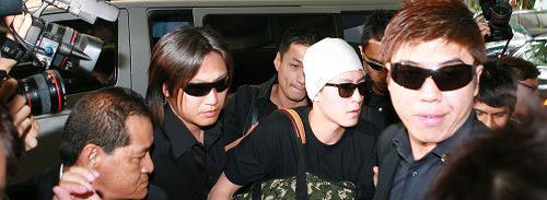 陈冠希27日抵达新加坡