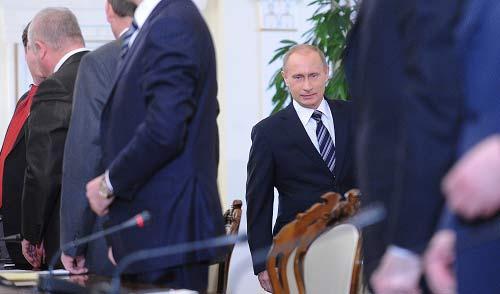 """2月27日,俄罗斯总理普京与""""统一俄罗斯""""党领导人举行会议。 IC 图"""