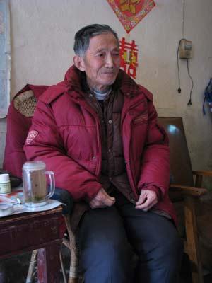 虢盘重见天日的现场见证人吴桂长,向记者回忆60年前的故事